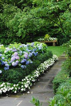 Design Darling: EXTERIORS & HYDRANGEAS #garden #hydrangeas