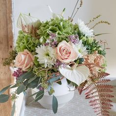 Sweet Avalanche+® mixes so well with the current trend in copper, it feels like spring has come early. Love this casual, yet well balanced arrangement by Bouquet Tales. This kind of slightly more loose and lively arranging will be a huge hit in 2016!