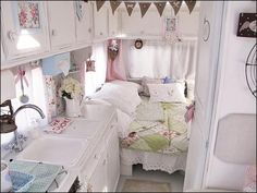 vintage campers inside | Cute camper interior, cottage/vintage camper decor. My cousins wife is ...