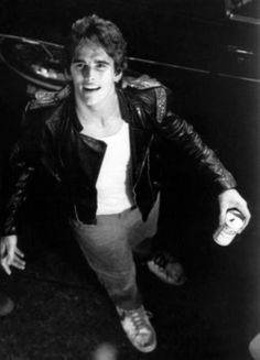 men He can knock on my window anytime :) Young Matt Dillon, The Outsiders Cast, Dallas Winston, Ralph Macchio, Young Actors, Cute Actors, Fine Men, Hot Boys, Cute Guys