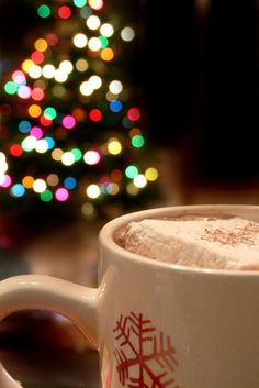 hot cocoa, lights. Love this season