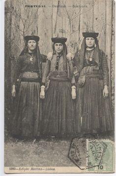 """""""Ovarinas"""" costume - Photo de Costumes e trajes antigos - Portugal em Postais Antigos"""