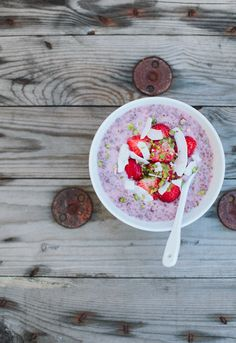 Chia Seed Porridge with Strawberries