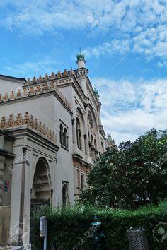 http://www.123rf.com/photo_35261339_spanish-synagogue-in-prague-czech-republic.html