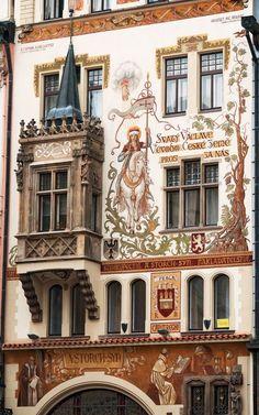 Storch House [Storchuv dum] view Staroměstské náměstí Old Town Square, Prague, Czech Republic Beautiful Buildings, Beautiful Places, Beautiful Pictures, Modern Buildings, Prague Architecture, Landscape Architecture, Places To Travel, Places To Visit, Prague Travel