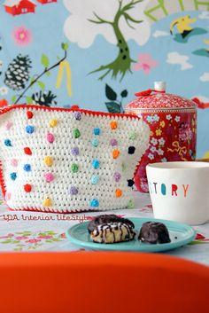 Teapot cozy with pom pom polka dots