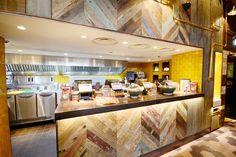 Nandos Essex Open Kitchen Restaurant, Rustic Restaurant, Pub Interior, Open Kitchens, Commercial Kitchen, Cafe Bar, Jade, Crystal, Display