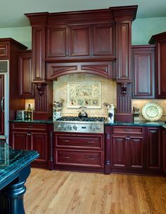 ideas for kitchen wall colors cherry cabinets counter tops Wood Kitchen Pantry, Cherry Wood Kitchen Cabinets, Cherry Wood Kitchens, Kitchen Cabinets And Countertops, Grey Kitchens, Kitchen Cabinet Design, New Kitchen, Black Cabinets, Granite Countertops