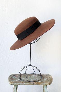 vintage 1970s wide brim banded brown felt hat