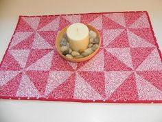Pinwheel Table Topper Pattern. Looks simple enough even for me.