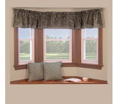 Bay window curtain rods - Since windows protrude from the wall of the house some, it makes an unusual regular window curtains. Bow Window Curtains, Curtains For Arched Windows, Bay Window Decor, Bay Window Design, Window Curtain Rods, Bay Windows, Windows Decor, Window Valances, Country Kitchen Curtains