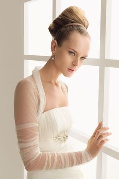 These gorgeous boleros from Rosa Clara allow you to transform your wedding dress from day time conservative to night time sexy, without the expense of buying two gowns. Wedding Dress Bolero, Bridal Bolero, Wedding Jacket, Bridal Gowns, Bridal Cover Up, Winter Wonderland Wedding, Bridal Stores, Sophisticated Bride, Rosa Clara