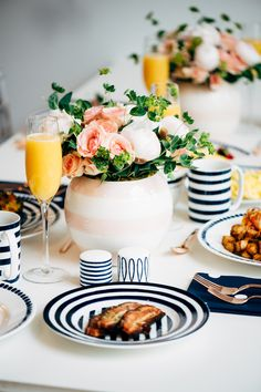 A New York inspired brunch with kate spade new york - love these rosebowls! Painting Moving Decor and Organization Brunch Party, Brunch Wedding, Kate Spade Party, Sequins And Stripes, Perfect Party, Dinnerware, Mimosas, Tableware, Kitchenware