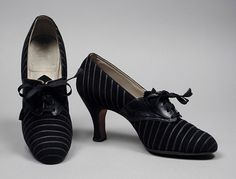 1934, America - Pair of Woman's Oxford Shoes - Leather, suede, rayon lacing