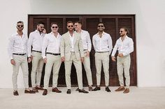 Ask the Experts: How To Be A Great Groomsman - Boho Wedding Blog Ask the Experts: How To Be A Great Groomsman Groomsmen Looks, Groom And Groomsmen Attire, Groom Wear, Bridesmaids And Groomsmen, Casual Groom Attire, Rustic Wedding Groomsmen, Bridesmaid Dresses, Wedding Dresses, Beach Wedding Attire