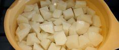 Kockára vágott krumpli Coconut Flakes, Spices, Cheese, Food, Spice, Essen, Meals, Yemek, Eten