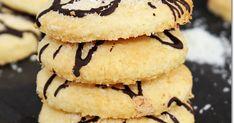 A kókuszos sütemények, kekszek kedvelőinek csakis ajánlani tudom ezt a finom puha, és egyben omlós kekszet, a karácsonyi ünnepekre. A r... Sweets, Cookies, Food, Sweet Pastries, Biscuits, Meal, Gummi Candy, Candy Notes, Essen
