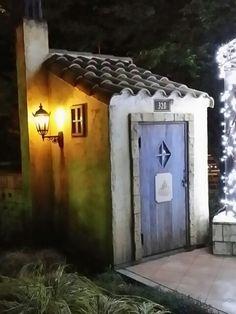 星の王子さまの可愛い小屋|こつこつ手作り・・ガーデニング (^^)v                              … Rustic Shed, Wood Shed, Garden Art, Home And Garden, Mint Garden, World Of Chaos, French Exterior, Fantasy House, Valentines Art