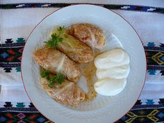 Romanian cuisine offers an immense variety of dishes. We will see two of Romania's best and most popular dishes here, Sarmale and Mămăligă, both of which go well with each other. Soup Recipes, Vegetarian Recipes, Chicken Recipes, Thm Recipes, Romania Food, European Cuisine, I Chef, Incredible Edibles, Breakfast Snacks