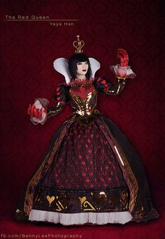 Alice Madness Returns - The Red Queen Cosplay by Yaya Han