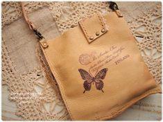 *やわらか~い牛革のうさぎちゃん親子のミニバッグ Leather Purses, Leather Bag, Sewing Magazines, Small Leather Goods, Leather Working, Leather Craft, Reusable Tote Bags, Creative, Handmade
