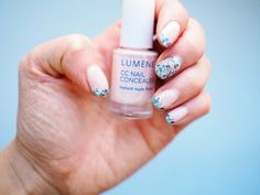 Blogger @saratickle wearing CC Concealer & Gel Effect shade 17. #nailpolish #lumene