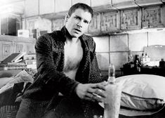Harrison Ford on 'Star Wars', 'Blade Runner', and Punching Ryan Gosling in the Face Film Blade Runner, Blade Runner 2049, Harrison Ford Blade Runner, Blade Runner Wallpaper, Harrison Ford Movies, Harrison Ford Young, Indiana Jones Films, 1980s Films, Han And Leia