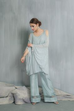 Periwinkle Outfit Farewell Dresses, Indian Party Wear, Silk Dupatta, Pakistani Outfits, Indian Designer Wear, Stylish Dresses, Unique Fashion, Green Dress, Designer Dresses