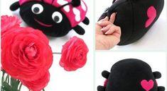 As suas crianças vão adorar se você fizer travesseiro joaninha, que além de muito útil é extremante fofo e simpático.