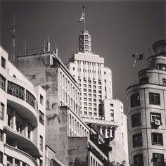 Edifício Altino Arantes (centro da imagem)