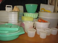 Vintage Lot 70 Pieces Tupperware Cake/pie Carrier, Hamburger Patty Press/storage