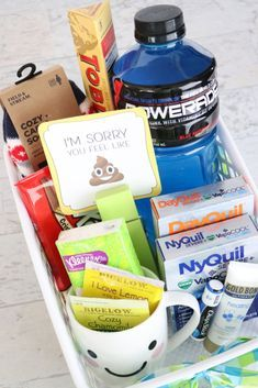 Don't forget these 6 must-have items in the perfect get-well DIY gift basket! Completely adaptable for a friend spouse sister brother mom or dad. This list includes everything that sick individual wants and needs this flu season. Get Well Soon Basket, Get Well Gift Baskets, Get Well Soon Gifts, Diy Gift Baskets, Basket Gift, Raffle Baskets, Guest Basket, Creative Gift Baskets, Diy Gifts For Mom