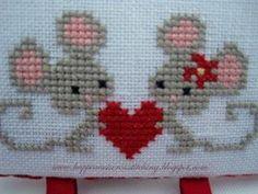 Cross Stitch Borders Happiness is Cross Stitching : EDITED - Valentine giveaway! Mini Cross Stitch, Cross Stitch Heart, Cross Stitch Cards, Cross Stitch Borders, Cross Stitch Animals, Cross Stitch Designs, Cross Stitching, Cross Stitch Embroidery, Embroidery Patterns