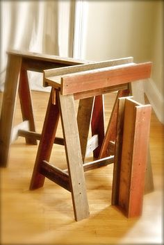 Designer Dad Studio: One Table + Reclaimed Wood = Inspired Multi-Purpose Makeover. This photo shows basic sawhorse design.