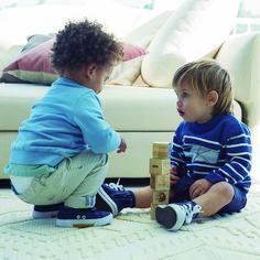 Si tu bebé y sus amigos quieren ir a la última encontrarás todo para ellos en #CarrefourTEX #CarrefourBaby Kids Rugs, Girlfriends, Bebe, Kid Friendly Rugs, Nursery Rugs