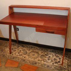 #escritorio #desk #office #oficina #muebles #mueblesventa #venezuelaventa #caracas #madera #wooden #furniture #venezuela #mueblamodernos #minimalista by decomuebles_ve