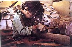 Sweatshops and Child Labor - Introduction. Sad that any child would spend their childhood like this Poor Children, Precious Children, Children In Need, Working With Children, Bless The Child, La Face, Forced Labor, Working People, Child Life