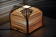 Questa è la lampada che ho costruito ! E' in vendita su Etsy!  Visita il mio negozio su www.etsy.com