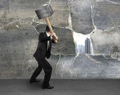 http://berufebilder.de/wp-content/uploads/2015/07/break-wall-block.jpg Schlagfertig mit Konflikten umgehen: Blockaden durchbrechen