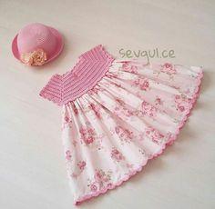 cute crochet bodice pillowcase dress simple to makekdb - PIPicStats Baby Girl Crochet, Crochet Baby Clothes, Crochet For Kids, Crochet Yoke, Crochet Fabric, Crochet Pattern, Knitting Patterns, Toddler Girl Dresses, Little Girl Dresses