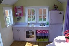 little playhouse, built by the parents of a very lucky little girl ...