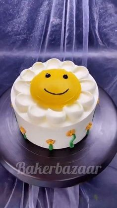 Cake Nozzles, Sunflower Cakes, Cake Hacks, Cake Decorating Frosting, Baking Accessories, Fondant Molds, Baking Supplies, Cake Ingredients, Cupcake Cakes