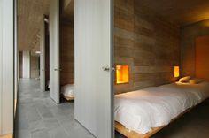 Aguas Claras / Cachagua / V Region, Chile Omnibus House Gubbins Arquitectos... What a great idea for a  dorm
