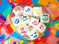 Is there anything more fun than marshmallows? Of course! Marshmallows with faces and coloured hair in Ideas for kids' crafts