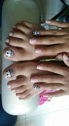 Feet Nail Design, Toe Nail Designs, Love Nails, Pretty Nails, Western Nails, Hello Nails, Cat Nail Art, Happy Nails, Feet Nails