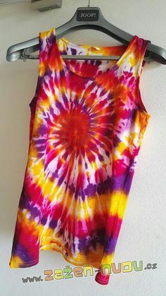 Batika za studena Tie Dye, Women, Fashion, Moda, Fashion Styles, Tye Dye, Fashion Illustrations, Woman