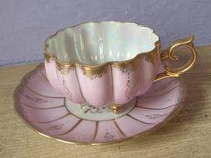 La antigüedad 1950 de Royal Sealy taza de té y platillo por ShoponSherman