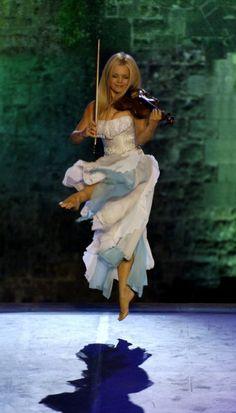 Máiréad Nesbitt #violin #CelticWoman