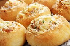 Buns with cheese Cheese Crisps, Cheese Bread, Cheese Cake Filling, Cheeseburger Recipe, Pizza, Best Cheese, Cheese Appetizers, Easy Cake Recipes, Biscuit Recipe