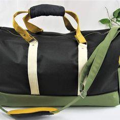 Sandrine sur Instagram: Sac de sport le boston-sac de voyage Stylwoolgeneration.com #sacdesport #couture #sac #sacotin #faitmain #artisanatfrancais…